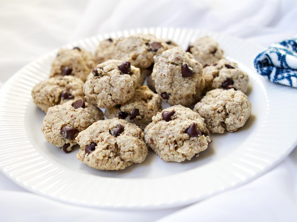 Almond Oatmeal Chocolate Chip Cookies Recipe